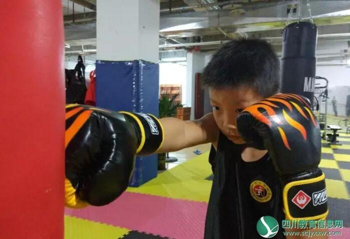 天冷了,去哪兒?龍翔搏擊健身俱樂部免費上課!!GO GO GO