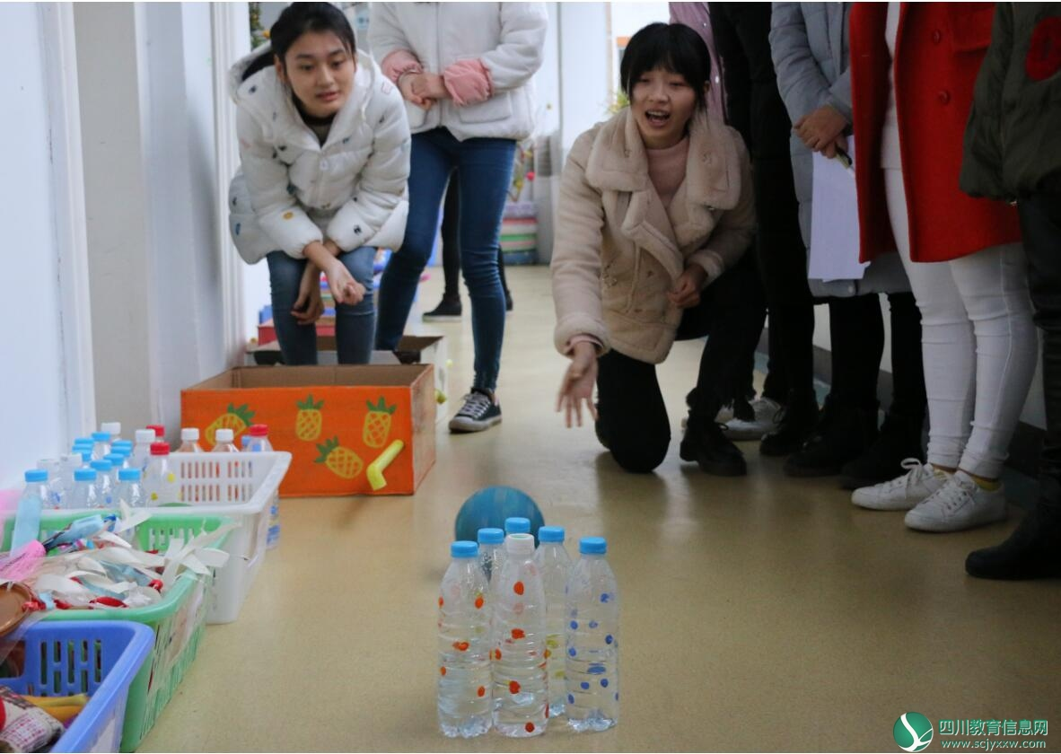 天宫庙幼儿园教师自制户外玩教具展评活动