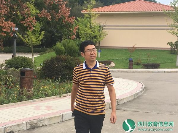 【遂宁教育人物】唐小平:从教书到经商 只为教育