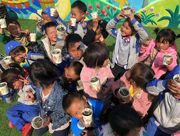 安哈镇长板桥幼儿园:绿色环保从我做起