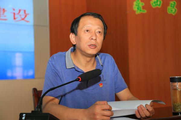 市教育工委书记、教体科局党委书记、局长罗荣发言.JPG