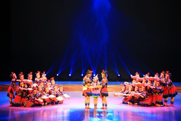 舞蹈《我的新书包》.JPG