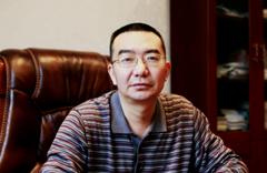 棠湖中學黨總支書記、校長 劉凱