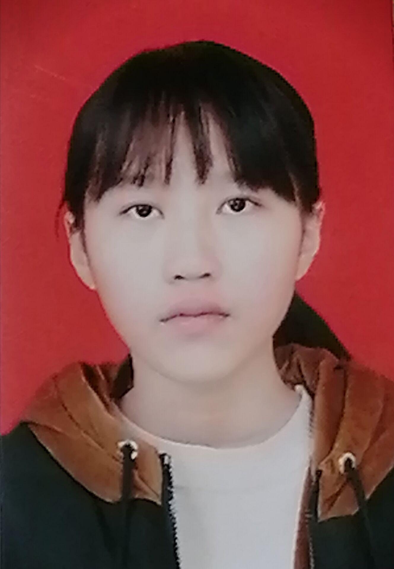 遂宁中学:王佳欣