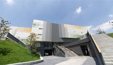 大运会首个完工场馆 龙泉中学体育馆亮相