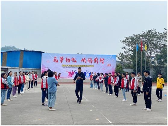 旌东片区初中青年体育教师技能大赛在德阳七中东湖校区顺利举行