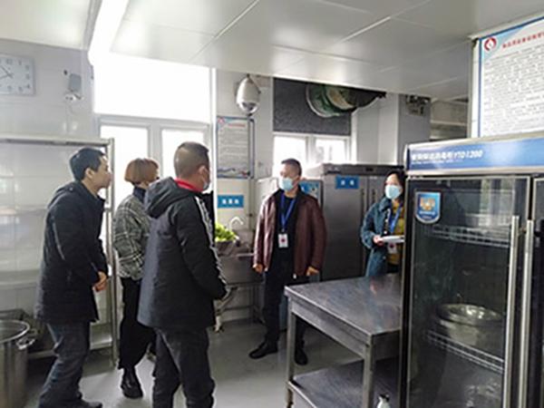 什邡市市场监督管理局检查指导红白小学食品安全工作