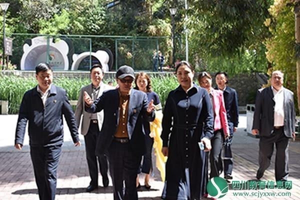 州人民政府副州长依当措到汶川中学开展调研工作