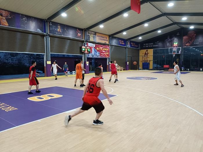 四川省平昌中学与平昌县第二中举行篮球友谊赛
